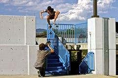 溜冰板者研的扶手栏杆 免版税库存照片