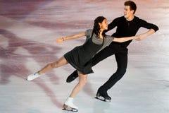 溜冰者埃琳娜Ilinykh & Nikita Katsapalovi 免版税图库摄影