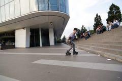 溜冰者男孩在伯萨,土耳其 图库摄影