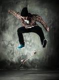 年轻溜冰者 免版税库存图片