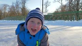 滑冰的家庭 影视素材