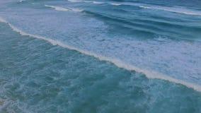 滑动在波浪 股票视频