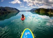 滑动在湖麦克唐纳在冰川国家公园 免版税图库摄影