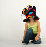 滑稽的女孩帽子一点 免版税库存图片