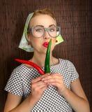 滑稽的妇女厨师 免版税库存照片
