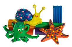 滑稽的彩色塑泥动物 免版税图库摄影