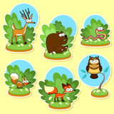 滑稽的木动物。 免版税库存照片
