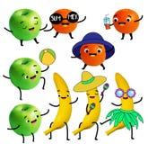 滑稽的果子 蜜桔、苹果和香蕉字符有夏天乐趣和海滩活动 向量例证
