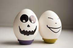 滑稽的滑稽的鸡蛋 两个鸡蛋为万圣夜 免版税图库摄影