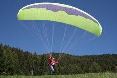 滑翔伞 免版税图库摄影