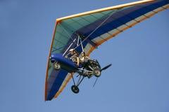 滑翔机吊moto 库存照片