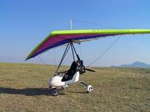滑翔机吊moto 免版税库存图片