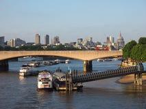 滑铁卢日落在伦敦 免版税库存照片