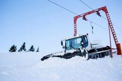 滑雪倾斜准备机器 库存图片
