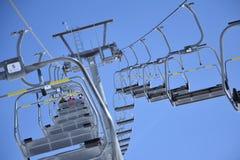 滑雪升降椅 图库摄影