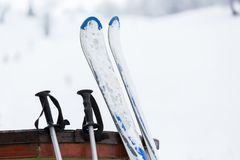 滑雪和设备 免版税库存照片