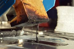 滑雪和雪板修理  免版税库存图片