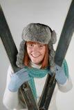 滑雪妇女 免版税库存图片
