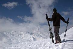 滑雪者倾斜 免版税库存照片