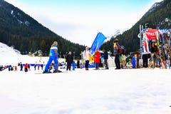 滑雪胜地班斯科,保加利亚,滑雪者,山 库存图片