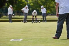 滚保龄球比赛草坪 免版税图库摄影