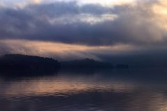 滚动在皮吉特湾的雾 免版税图库摄影