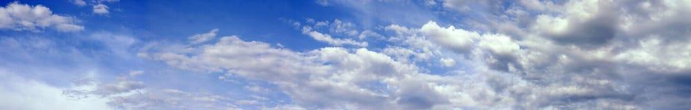 滚滚向前的云彩 库存照片