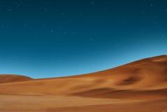 满天星斗沙漠的天空 免版税库存图片