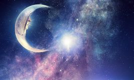 满天星斗的天空和月亮 混合画法 库存图片