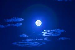 满月天空 库存图片