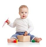 漂亮的孩子五颜六色的培训玩具 免版税图库摄影