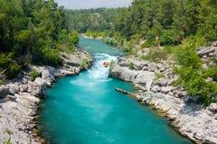 漂流在绿色峡谷, Alanya,土耳其 免版税库存图片