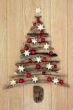 漂流木头圣诞树 库存图片