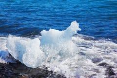 漂浮冰Yokulsarlon盐水湖 图库摄影