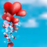 漂浮在天空的红色心脏。+ EPS10 免版税库存照片