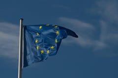 漂浮在风的EU旗子 库存图片