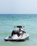 漂浮在水的强有力的喷气机滑雪 图库摄影