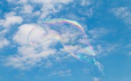 漂浮通过天空的肥皂泡 图库摄影