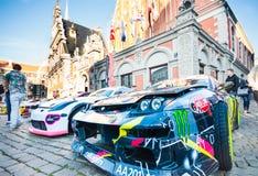 漂移在霍尔广场的Allstars游行2015年7月31日,里加,拉脱维亚 免版税库存照片