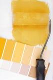 漆滚筒和颜色图表选择 免版税库存照片
