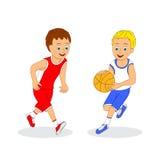 演奏二的篮球男孩 免版税库存图片