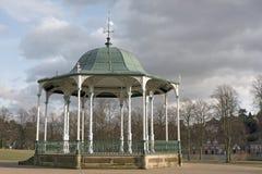 演奏台英国shrewsbury公园的公共 库存照片