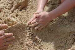 演奏沙子 图库摄影