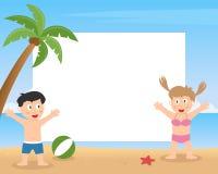 演奏照片框架的夏天孩子 免版税库存照片