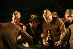 演奏的观众-第二次世界大战的退休人员、年长退伍军人和他们的亲戚 库存照片