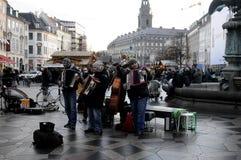 演奏音乐的街道音乐家 库存图片