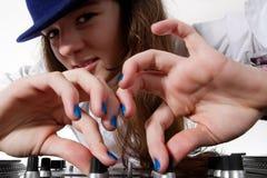 演奏年轻人的dj女性音乐 库存图片