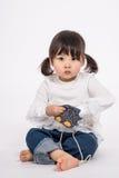 演播室三岁的亚裔婴孩画象射击-被隔绝 库存照片