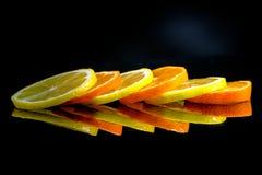 演播室射击用柠檬和桔子 免版税库存图片