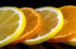演播室射击用柠檬和桔子 库存照片